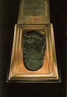Footprint in gold of Mohammed - Tokapi museum Istanbul-kl